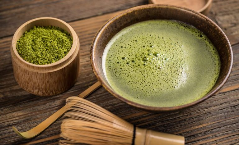 How to make or prepare matcha green tea