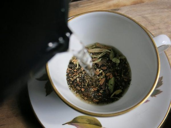 Brew your ginger tea with black pepper